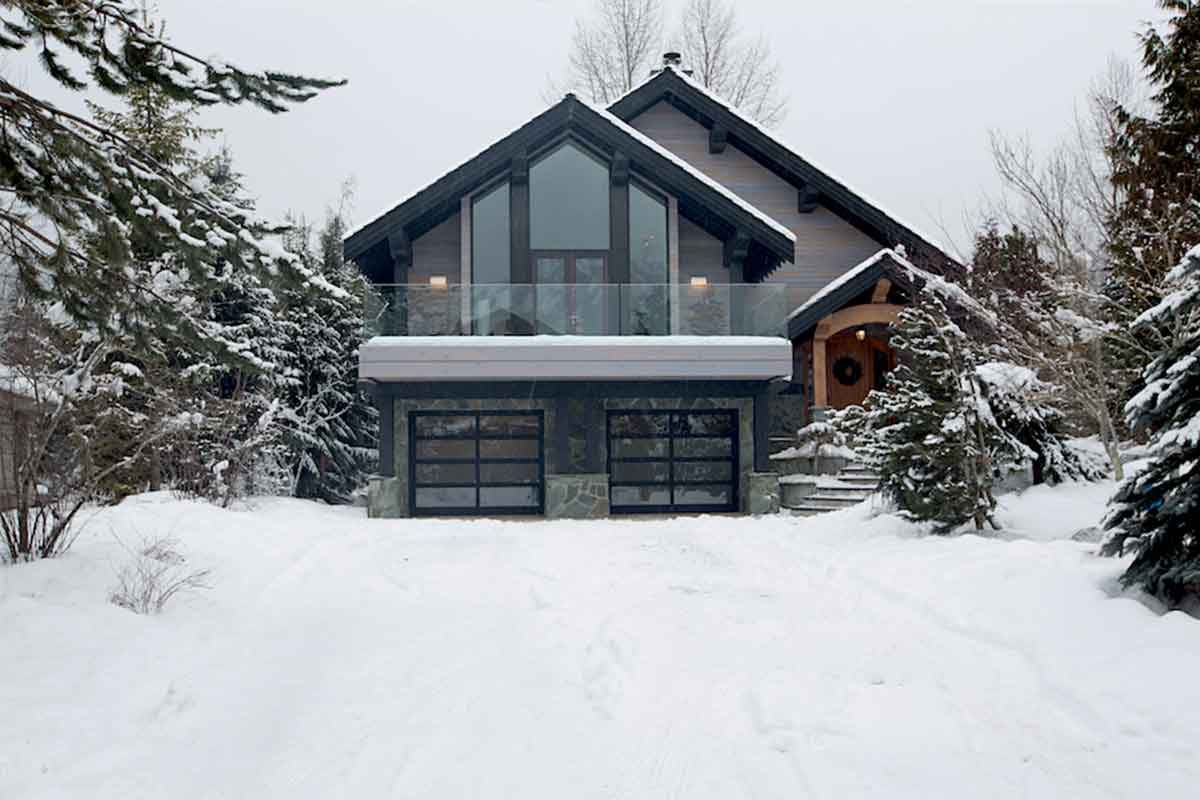 Chalet aura whistler whistler luxury chalets villas for Whistler cabin rentals