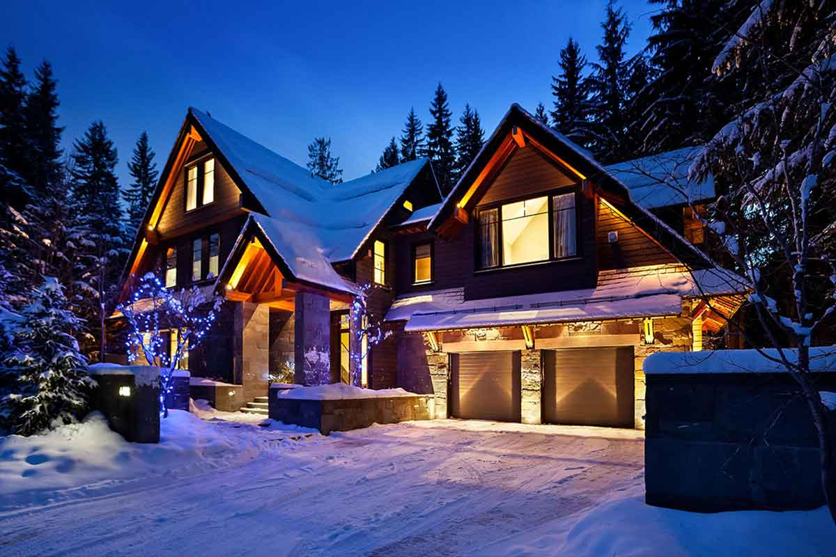 Whistler luxury chalets and vacation rentals with vip for Whistler cabin rentals