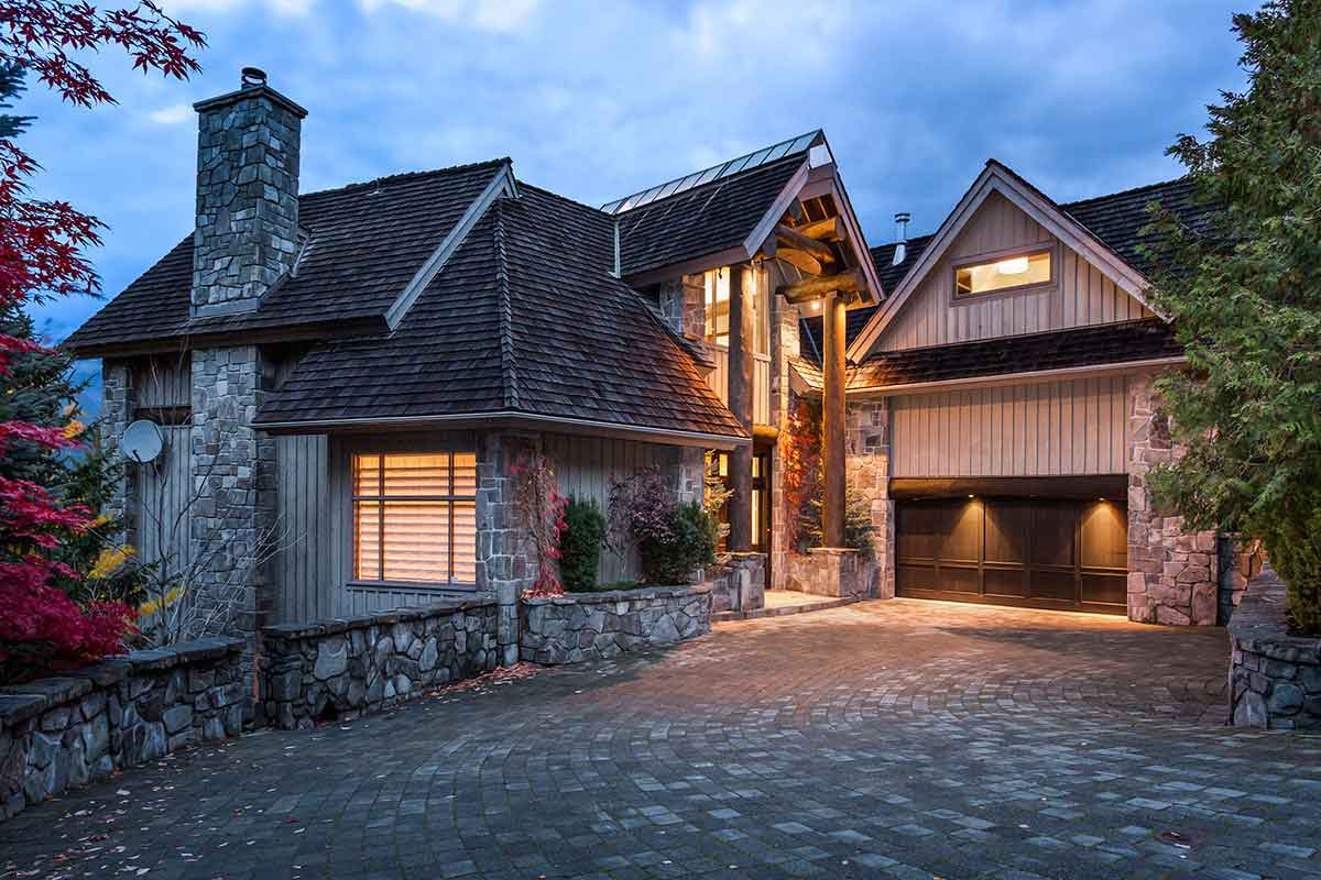 Whistler luxury chalets and vacation rentals with vip Whistler cabin rentals