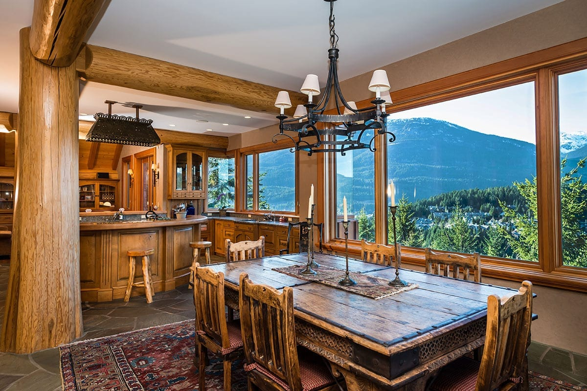 Whistler akasha 12 whistler luxury chalets villas for Whistler cabin rentals