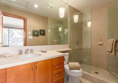 4860_master_bathroom