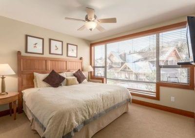 4860_master_bedroom