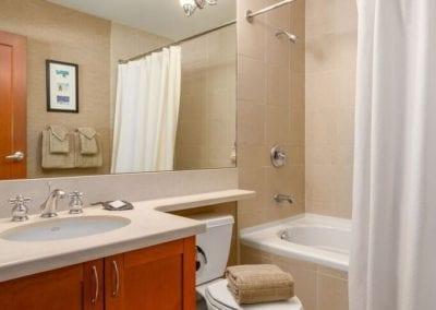 4860_twin_bathroom
