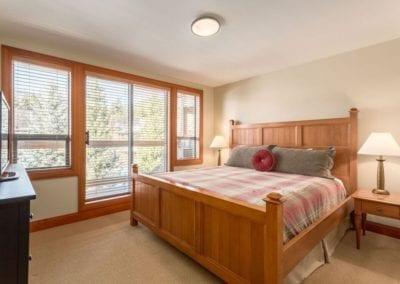 4872_king_bedroom