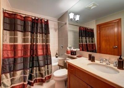 b6_upstairs_bath
