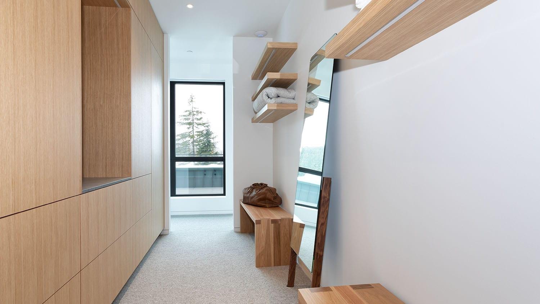 AC2932-Bedroom-1-Closet